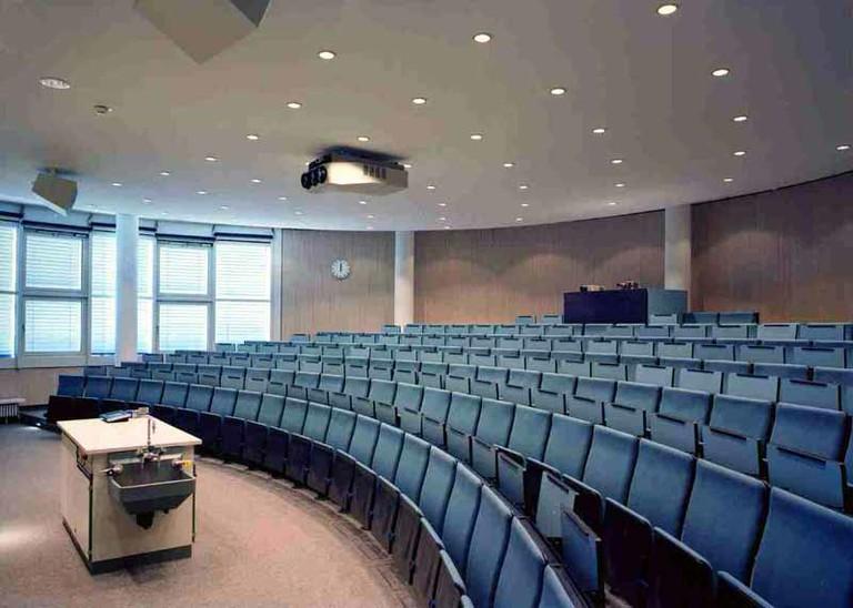Hörsaal im 1. Obergeschoss - small