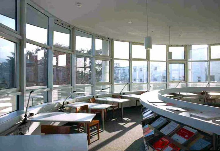 Bibliothek im 3. Obergeschoss - small